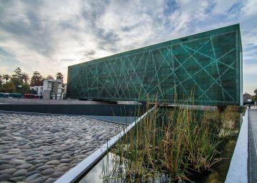 La polémica por el Museo de la Memoria obliga a dimitir al ministro de Cultura de Chile