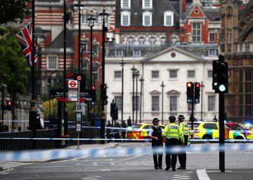 Así te hemos contado el choque de un vehículo contra el Parlamento de Londres
