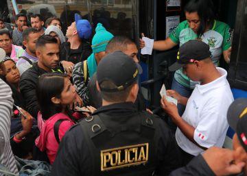Perú declara emergencia sanitaria en tres distritos por la llegada de venezolanos