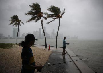 La tormenta tropical Gordon golpea el sur de Florida con fuertes lluvias y vientos huracanados