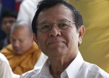Camboya libera al líder de la oposición tras un año de arresto