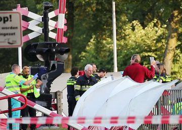 Cuatro niños mueren arrollados por un tren en un paso a nivel en Holanda