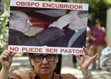 El Papa acepta la renuncia de otros dos obispos chilenos por los escándalos de abusos sexuales