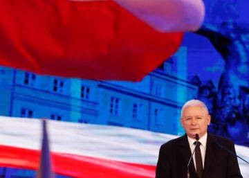 Bruselas lanza un ataque sin precedentes contra la deriva autoritaria de Polonia