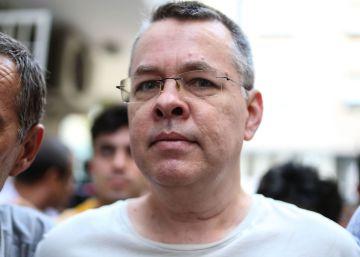 Turquía libera al pastor Brunson tras un acuerdo con EE UU