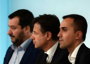 El rechazo de Bruselas a los presupuestos provoca choques en el Gobierno italiano