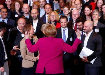 Bruselas sigue con inquietud la transición alemana