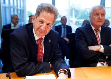 El Gobierno alemán obliga a jubilarse al polémico exjefe del espionaje interior