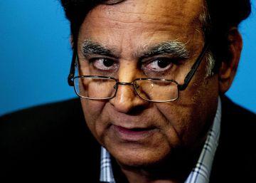 El abogado de la paquistaní absuelta de blasfemia huye y se refugia en Holanda
