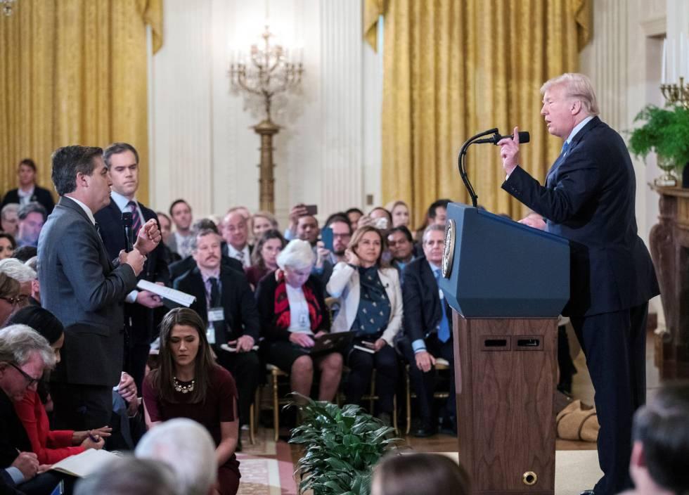La Casa Blanca se rinde y le devuelve la credencial al periodista de CNN vetado por Trump