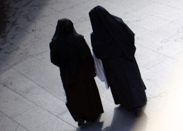 Dos monjas roban medio millón de dólares para jugárselo en Las Vegas