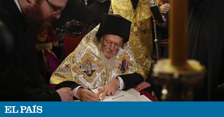 La Iglesia ortodoxa de Ucrania se separa formalmente de la de Rusia