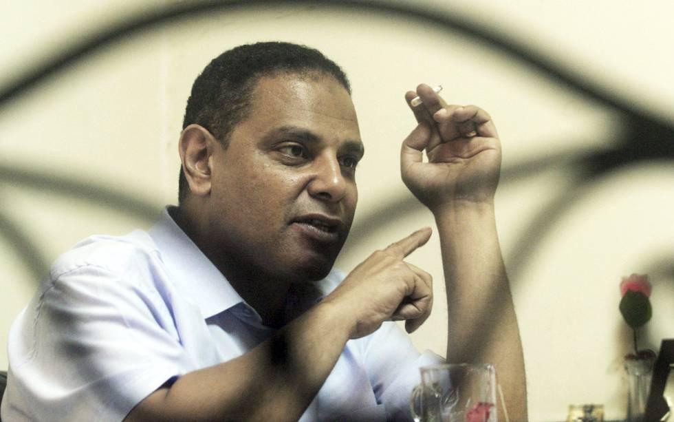 """Un tribunal militar egipcio procesa al autor de """"El edificio Yacobián"""""""