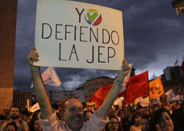 Civiles implicados en el conflicto armado en Colombia piden acogerse al tribunal de paz