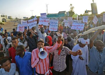 La junta militar y la oposición acuerdan una transición de tres años en Sudán