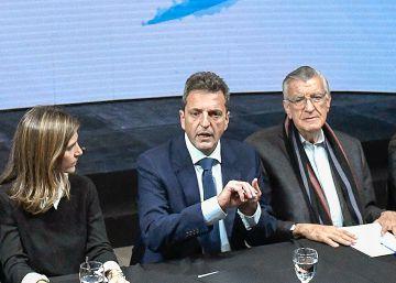 Cristina Kirchner suma al moderado Massa a su frente electoral