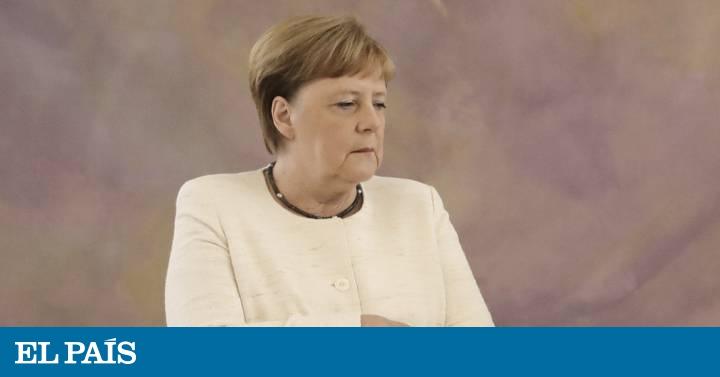 Merkel volta a sofrer tremores durante um ato oficial em Berlim