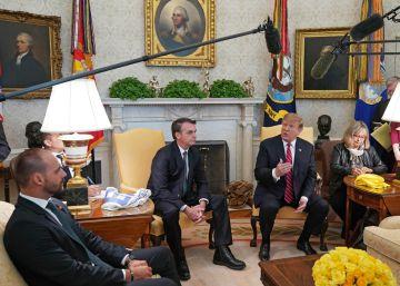 Eduardo Bolsonaro, un aspirante a embajador bendecido por Trump y por su padre