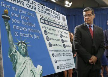 California denuncia las restricciones de Trump a los inmigrantes que reciben ayudas sociales
