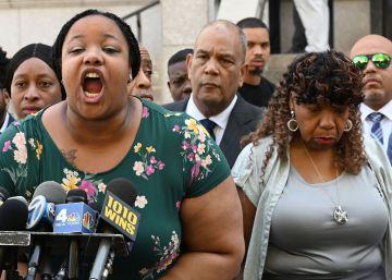Despedido el policía de Nueva York que asfixió a Eric Garner