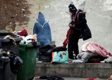 La policía francesa desaloja a 1.606 migrantes de dos campamentos precarios en París
