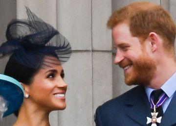 El príncipe Enrique y Meghan Markle renuncian a sus títulos reales y a la financiación pública