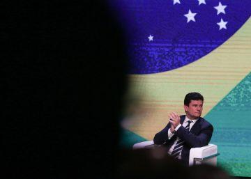 El intento de Bolsonaro de debilitar a su ministro de Justicia inquieta a las bases conservadoras de Brasil