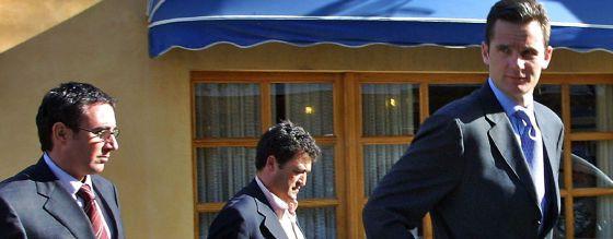 Urdangarín, Ballester y Torres salen de un almuerzo. / TOLO RAMON