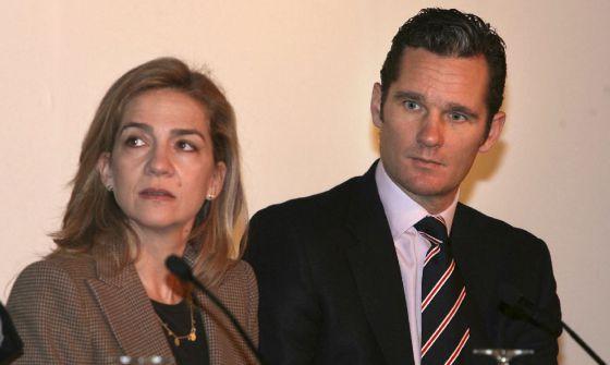 El duque de Palma, Iñaki Urdangarin, y su esposa, la infanta Cristina de Borbón, en 2007. / ALBERT OLIVÉ