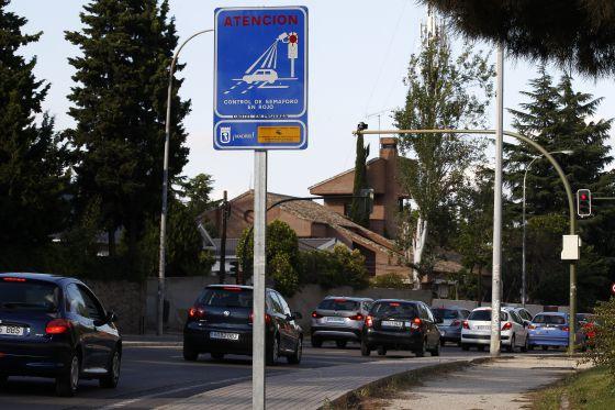 La justicia cuestiona las multas por saltarse un sem foro - Apartahoteles sevilla este ...