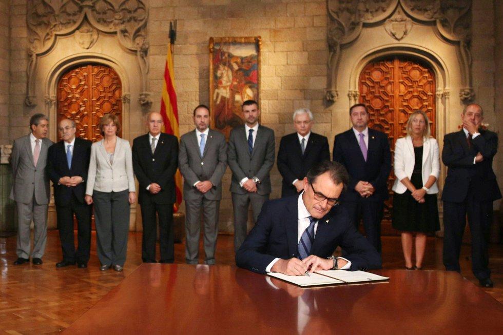 Generalitat | Firma de la histórica reforma del Estatut  1411811260_870918_1411814566_album_normal