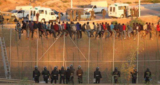 Resultado de imagen de fotos de inmigrantes en españa