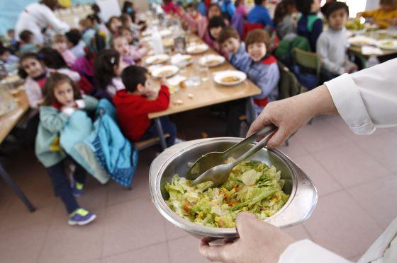 Curso escolar 2015: El comedor escolar cuesta el doble en Cataluña y ...