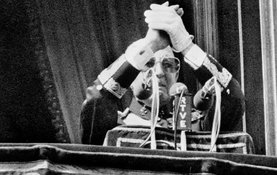 the death of a dictator remnants of the franco era in english