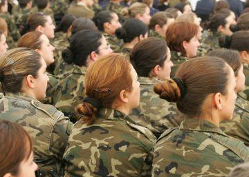 Defensa reduce a 1,55 la altura mínima de las mujeres para entrar en el Ejército