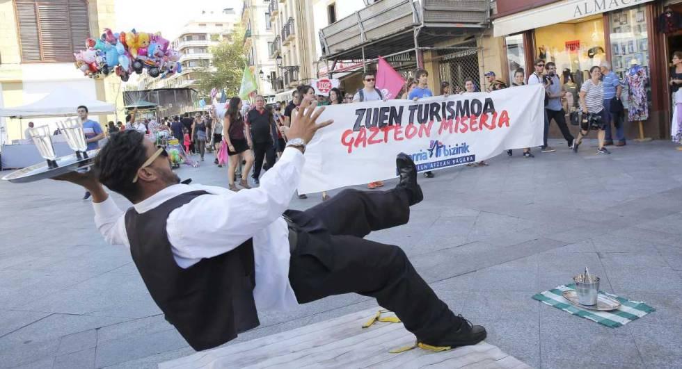 """Los radicales vascos dicen en San Sebastián que su lucha """"no es turismofobia"""""""