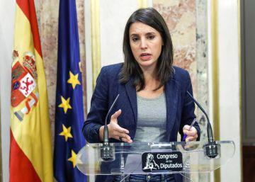 Podemos acusa al PSOE de reeditar la ?triple alianza? con PP y Ciudadanos al apoyar al Gobierno en aplicar el 155