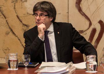 Interior inició una licitación para comprar urnas cinco minutos después de la respuesta de Puigdemont
