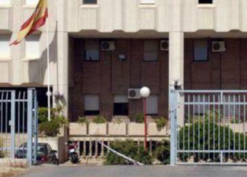 Motín en el CIE de Murcia con 26 fugados y 15 heridos