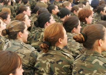 Solo una de cada cuatro mujeres militares tiene contrato indefinido