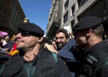 La Guardia Civil señala a más de 100 personas en su último informe al juez Llarena