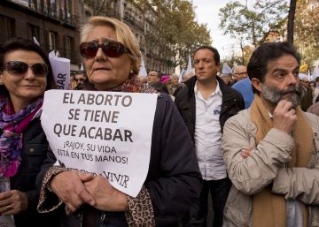 Críticas al Obispado de Córdoba por premiar con 2.000 euros a una universitaria que no aborte