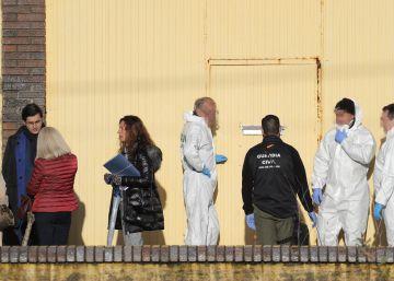 La Guardia Civil registra la nave en la que se encontró el cuerpo de Diana Quer