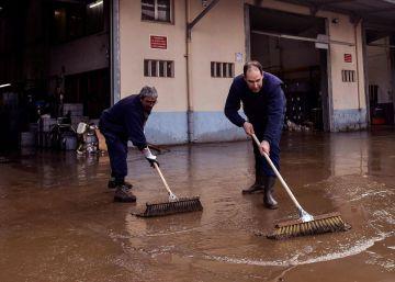 Inundaciones en Bizkaia y Gipuzkoa por una tromba de agua