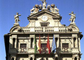 Pamplona coloca las dos primeras placas recordando a víctimas de ETA