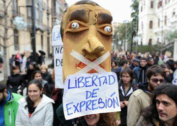 Podemos arranca al PSOE la modificación del delito de injurias a la Corona