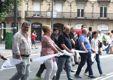 La cadena por el derecho a decidir de Euskadi une a más de 175.000 vascos