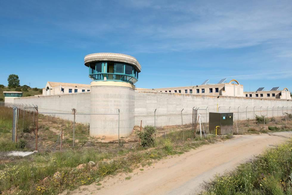 Judías pintas, pescado y fruta: el primer menú de Urdangarin en prisión