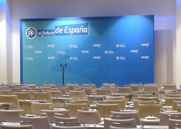 Batalla compromisario a compromisario entre Casado y Santamaría por el poder