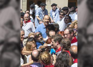 Casado advierte entre abucheos en Vitoria de que no admitirá ni homenajes ni acercamiento de etarras